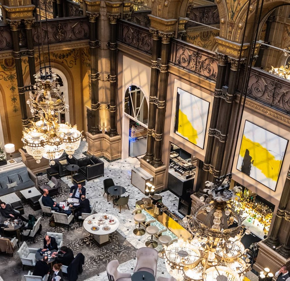 The inside of the Hilton Paris Opéra