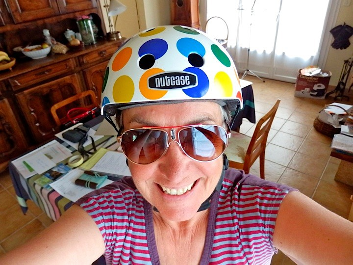 Chantal et son Casque NUTCASE