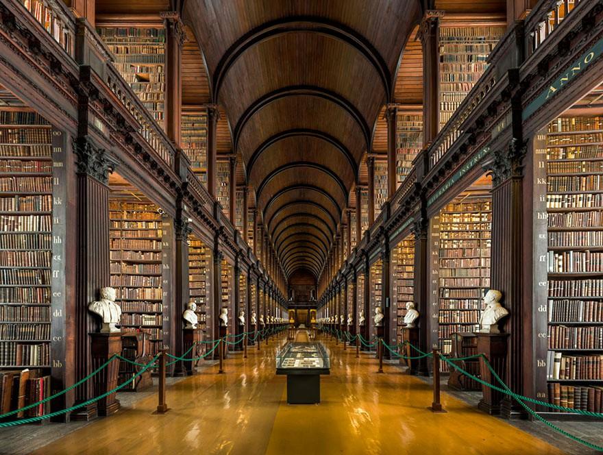 Couloir de la Old library à Dublin