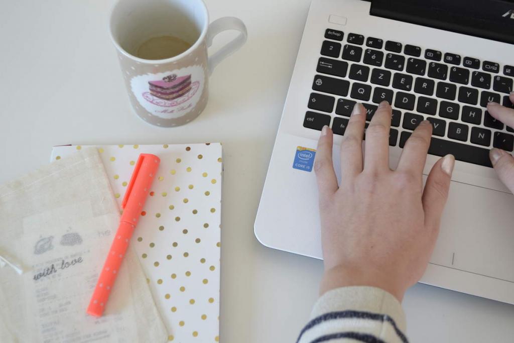Mathilde Blogging