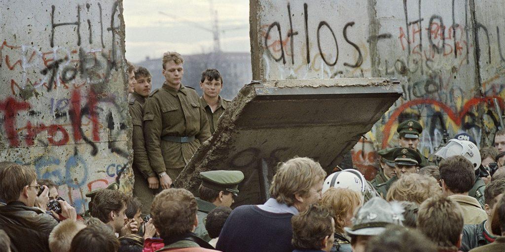 photo de la chute du mur de Berlin